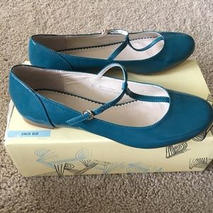 Urban Outfitters Mary Jane flats Sz 8 NWOT
